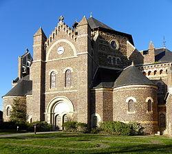 Maxent (35) Église 04.JPG