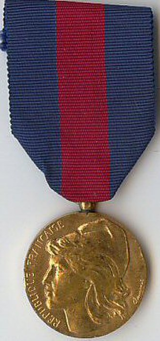 Medal for voluntary military service - Image: Medaille des Services Militaires Volontaires Bronze