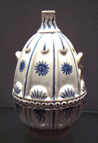 Medici porcelain - Medici porcelain vase, 1575-1587.