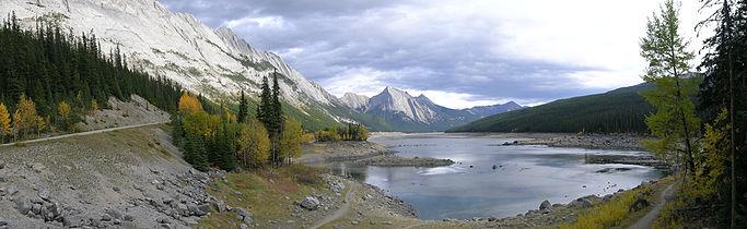 Medicine Lake Alberta (1).jpg