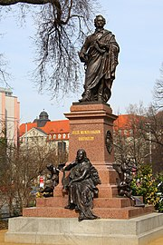 The reconstructed Mendelssohn monument near Leipzig's St. Thomas Church, dedicated in 2008[178] (Source: Wikimedia)
