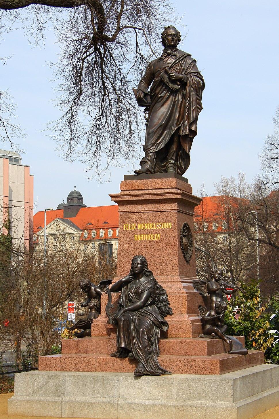 Mendelssohn Statue Thomaskirche