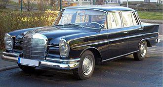 Mercedes-Benz W111 - Image: Mercedes Benz W111 Ilmenau