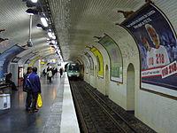 Metro Paris - Ligne 8 - Station Bonne Nouvelle (6).jpg