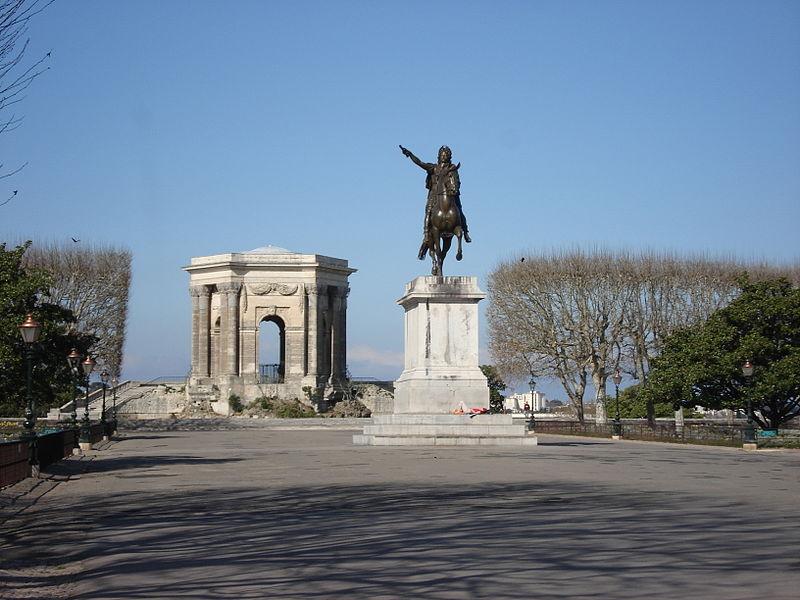File:Montpellier le Peyrou Louis XIV.JPG