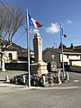 Monument aux morts de Beynost (Ain, France) en mars 2018.jpg