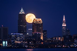 Moon over Downtown Cleveland. Moon over Cleveland (33388400986).jpg
