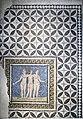 Mosaico de las tres Gracias (40291257712).jpg