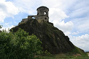 Red Shift (novel) - The folly on Mow Cop