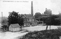 Moyenneville (60), la gare et la distillerie.jpg
