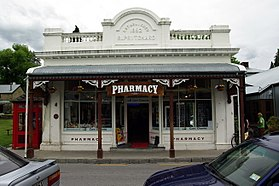 NZL-arrowt-pharmacy.jpg
