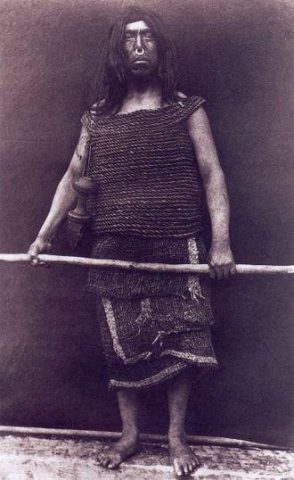 'Nak'waxda'xw - 'Nak'waxda'xw warrior, photo Edward Curtis