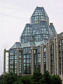 National Gallery of Canada glass tower 2005.jpg
