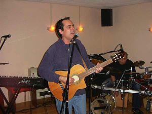 Neal Morse - Morse recording on classical guitar