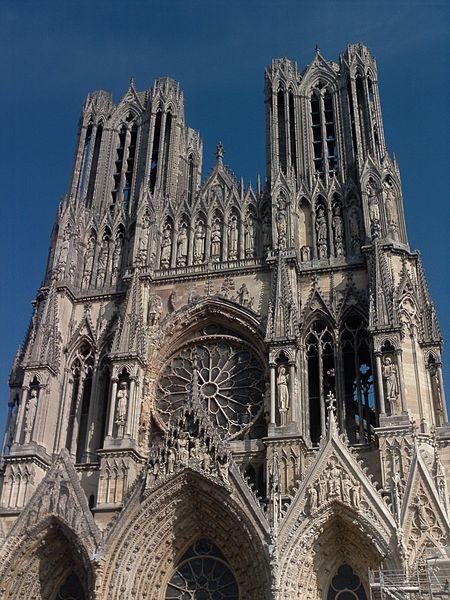 Archivo:Notre Dame de Reims - détail haut.JPG