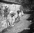 Oče Jože, Matičetov in Vodopivec pred hišo, Socerb 1949.jpg