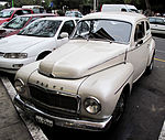 Old Volvo in Miraflores (3912338709).jpg
