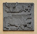 Onno-Klopp-Gasse 12-16 - relief Rinder by Gabriele Waldert 01.jpg