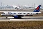 Onur Air, TC-OBM, Airbus A320-232 (25083815177).jpg