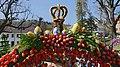 Osterbrunnen mit Osterkrone Berga Elster 2019 13.jpg