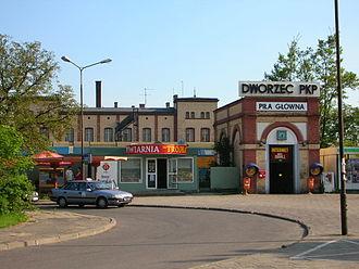 Piła Główna railway station - The entrance to the station