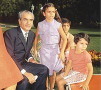 فرحناز پهلوی - ویکیپدیا، دانشنامهٔ آزاد