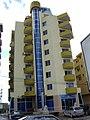 Palazzo in costruzione a Lushnje - Albania - 2008 - panoramio.jpg