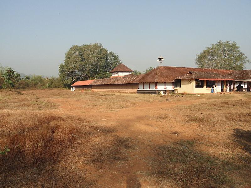File:Panniyur Sri Vamanamoorthy Temple.JPG
