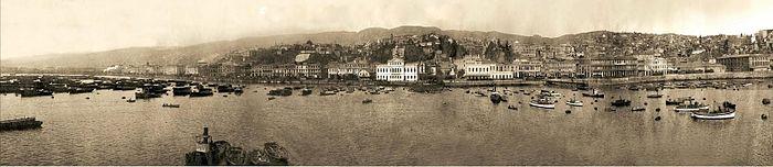Panorámica de bahía valpo, 1910.jpg