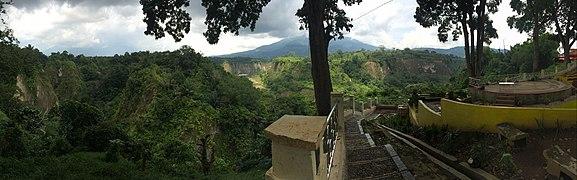 Panorama Ngarai Sianok.jpg