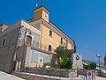 Pesco Sannita - municipio e monumento ai caduti.jpg