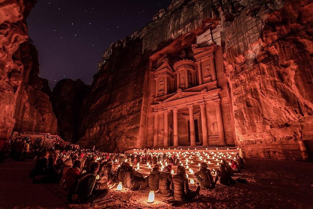 Petra Al-Kaznah by Night.jpg