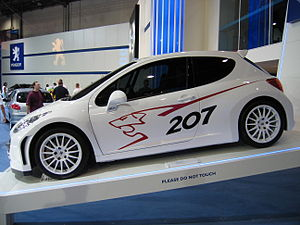 Peugeot 207 RC - 001 - Flickr - robad0b.jpg