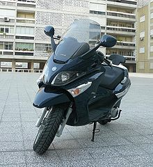 Moped Roof on Scooter  Motorcycle    Wikipedia  The Free Encyclopedia
