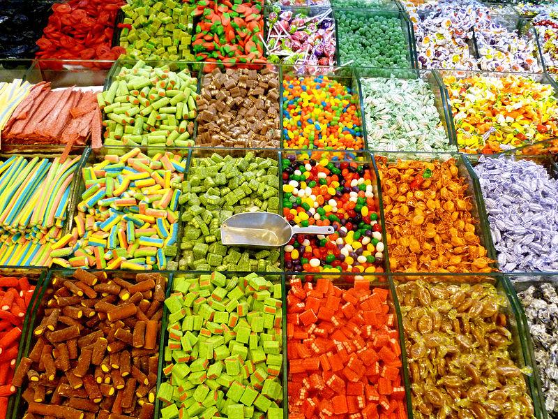 ממתקים וסוכריות גומי בשוק מחנה יהודה בירושלים