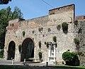 Pisa Mura Piazza delle Gondole.JPG