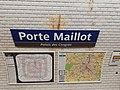 Plaque signalétique Porte Maillot.jpg