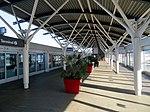 Platform at Terminal 2 AirTrain station, August 2018.JPG