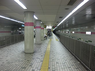 Taishibashi-Imaichi Station - Taishibashi-Imaichi Station Tanimachi Line platform, May 2012