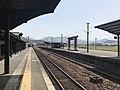 Platform of Bungo-Mori Station 5.jpg