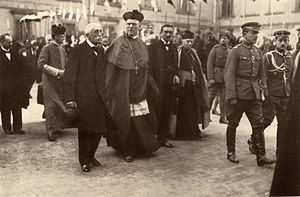 Aleksander Kakowski - Archbishop Kakowski with other members of the Regency Council in 1917