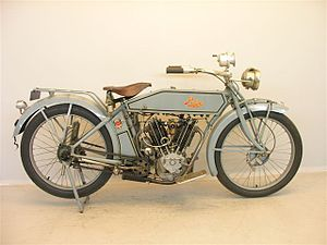 Pope Model L - Image: Pope L14 1000 cc 1914