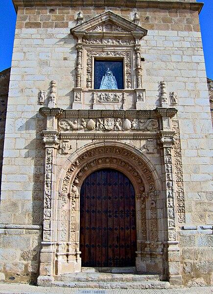 Archivo:Portada Iglesia La Garrovilla.jpg