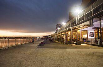 Hamilton Reach - Portside Wharf River Walkway