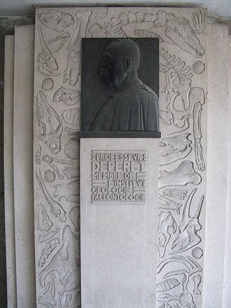 Charles Depéret - Stèle on the La Doua campus in Villeurbanne in honor of Charles Depéret.