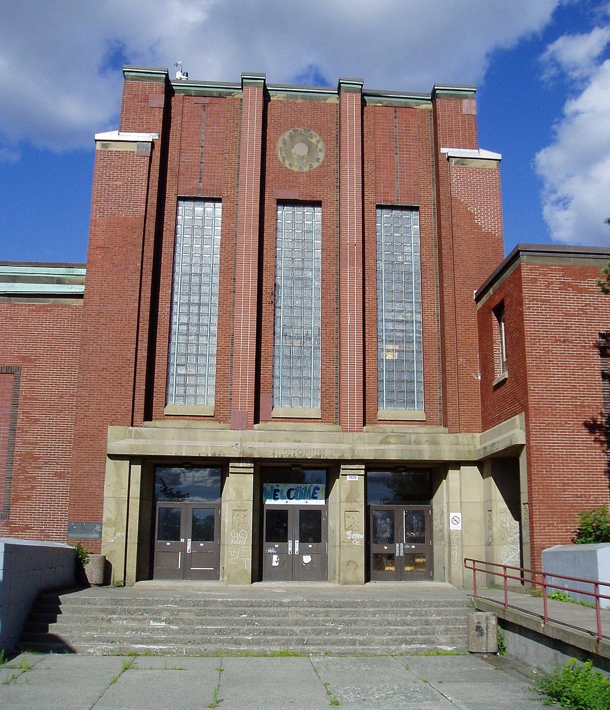 Queen Elizabeth High School (Halifax, Nova Scotia) - Wikipedia