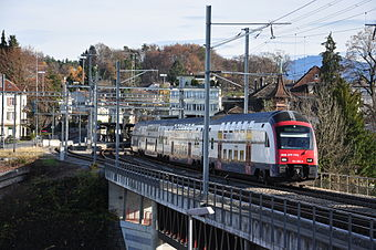 The Wallisellen–Uster–Rapperswil line at Rüti