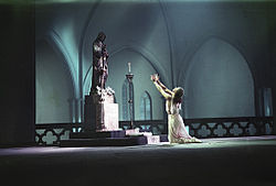 RIAN archive 522944 Ballet dancers Galina Ulanova performing on stage.jpg