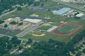 Raytown South High School - Image: Raytown South High School Raytown Missouri 08 31 2013