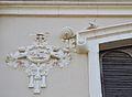 Relleu i caragol, cobert n. 5 del port de València.JPG